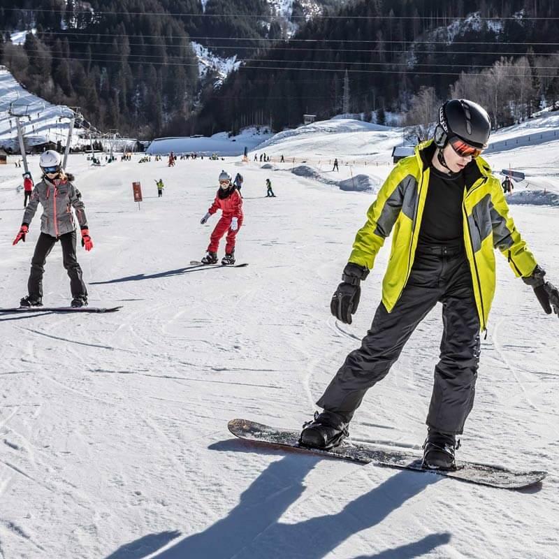 Kaprun Skischule Skiverleih